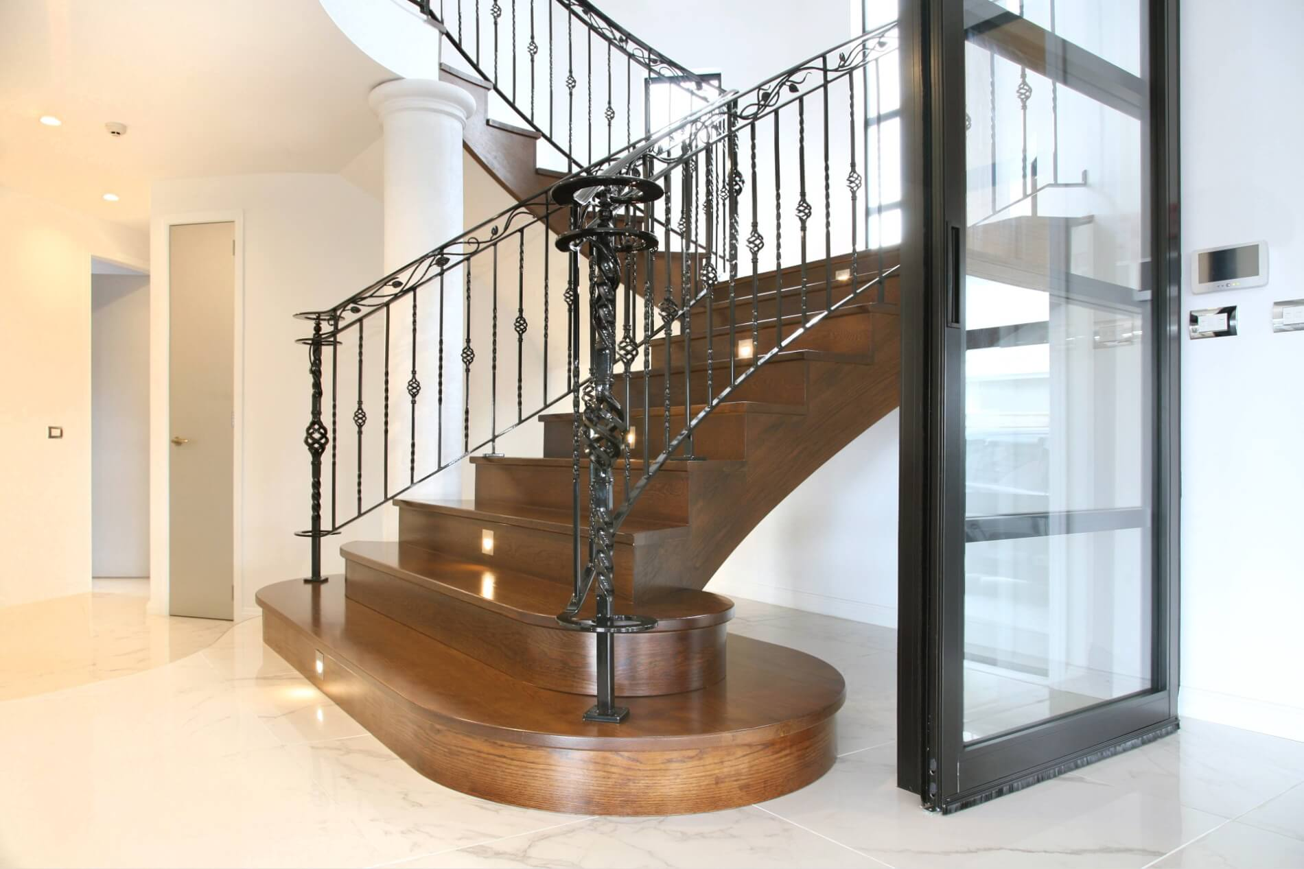 Timber Stair 18